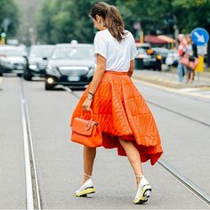 orange is the new black - Oui, Oui! Tommy Ton in Paris Tommy Ton, Street Style 2014, Street Style Looks, Cool Street Fashion, Street Chic, Street Wear, Fashion Week 2015, Orange Is The New Black, International Fashion