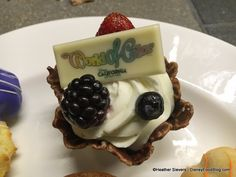 Dining in Disneyland Review: World of Color Dessert Party in Disney California Adventure