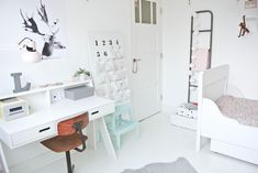 room and child-de-lola-desk Vintage Modern, Girl Room, Girls Bedroom, Boho Deco, Kidsroom, Kid Spaces, Kids House, House Rooms, Room Decor