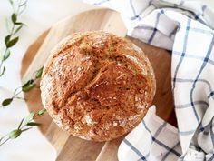 Szybki i prosty przepis na chleb domowy. Bez wyrabiania. Nie potrzeba żadnych specjalnych sprzętów ani umiejętności kulinarnych ;)