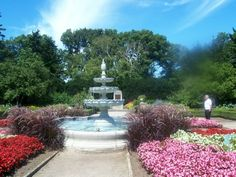 Gage Park hamilton ontario I used to play in this with my daddy Beautiful World, Beautiful Gardens, Hamilton Pictures, Hamilton Ontario Canada, Places Ive Been, Places To Visit, Formal Gardens, Peaceful Places, Canada Travel