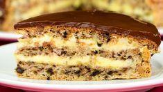 Questa torta di noci deliziosa vi conquisterà per sempre!   Saporito.TV Apple Desserts, Just Desserts, Sweets Recipes, Cooking Recipes, Hungarian Cake, Romanian Desserts, Specialty Cakes, Marzipan, Something Sweet