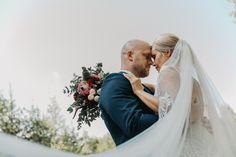 Valokuvaaja Pori l Pia Taimi Visuals Create Your Own Website, Wedding Couples, Wedding Photography, Couple Photos, Wedding Dresses, Couple Shots, Bride Dresses, Bridal Gowns, Alon Livne Wedding Dresses