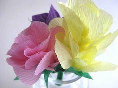 como-fazer-flor-de-papel-crepom-1