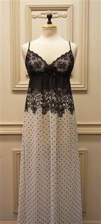 Lace and Dots Nightgown. Peignoir, Summer Dresses, Formal Dresses, Sexy Lingerie, Lounge Wear, Bathing Suits, Most Beautiful, Nightgowns, Silk