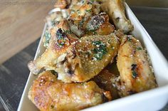 Wing Recipes, Meat Recipes, Chicken Recipes, Cooking Recipes, Garlic Parmesan Wings, Baked Garlic, Nachos, Baked Chicken Wings, Bon Appetit