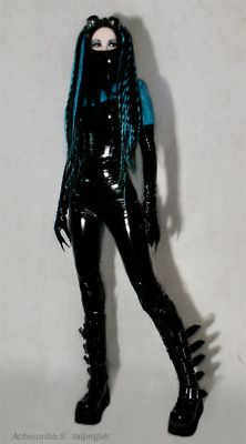 Though I miss the old school cybergoth look. It was a little less rave and a little more Shadowrun. Cyberpunk Clothes, Moda Cyberpunk, Cyberpunk Fashion, Fetish Fashion, Latex Fashion, Dark Fashion, Gothic Fashion, Steampunk Fashion, Emo Fashion