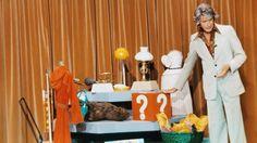 """40 Jahre """"Am laufenden Band"""". Rudi Carrell in seiner Paraderolle: Die Samstagabend-Show """"Am laufenden Band"""" zählt zu den deutschen Fernsehklassikern. (Quelle: Cinetext)"""