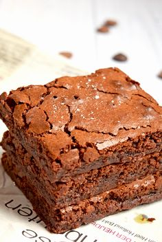 Delicious Salted Caramel brownies made with the Dutch chocolate from Tony's Chocolonely. Gluten-free and low FODMAP!