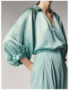 Fashion 2020, Fashion Trends, Fashion Details, Fashion Design, Spring Shirts, Spring Blouses, Spring Summer, Blouse Designs, Blouses For Women
