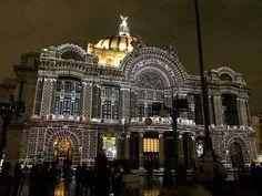 Bellas Artes iluminado