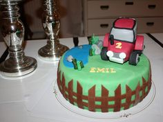 A Birthday cake made by Nilla's Handicraft