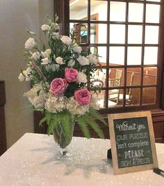 Tableside vase with Hydrangea, Lisianthus, and Roses