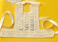Babero - 2 Crochet Baby Bibs, Crochet Fabric, Crochet Baby Clothes, Crochet For Kids, Baby Knitting, Knit Crochet, Diy Crafts For Gifts, Crochet Videos, Handmade Baby