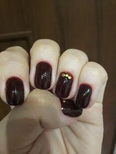 Burgund nails  gold  Bordowe paznokcie, złote kropeczki