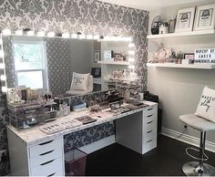 - make up room studio Room Makeover, Pretty Room, Room Ideas Bedroom, Room Design, Makeup Rooms, Room Inspiration, Makeup Room Decor, Room Decor Bedroom, Interior Design Bedroom