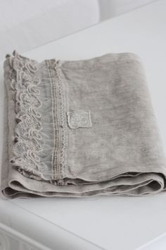 Beautiful Lace edged, Linen Runner~❥