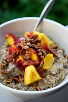 365 Clean Eating Oatmeal Recipes from Gracious Pantry @Tara Hannon Snow