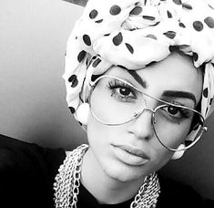 Turban Hijab Fashion- Hijab is a sign of modesty and is a girl's best friend. With the passage of time, the hijab trend is back with a bang. Turban Hijab, Muslim Fashion, Hijab Fashion, Modest Fashion, African Women, African Fashion, Hijab Trends, Scarf Styles, Hijab Styles