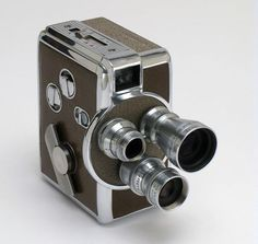 REVERE 8MM MOVIE CAMERA MODEL 44 (1952)