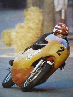 alfonslx2: Montjuich 1970 Ginger Molloy Kawasaki 500 3 cylinders..