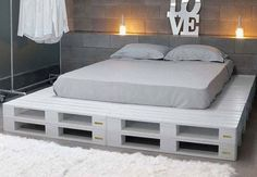 Pallet Furniture Projects Paletten Bett Mehr - a bed in any of king or queen size layout, check out this DIY platform bed scheme which has been displayed by placing in different styles of bedroom interiors. Pallet Bed Frames, Diy Pallet Bed, Wooden Pallet Furniture, Diy Furniture, Bedroom Furniture, Bedroom Decor, Pallet Chair, Bedroom Interiors, Pallet Wood