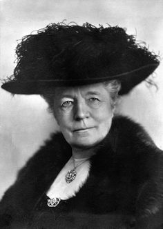 Selma Lagerlöf (1858-1940), first female to win the Nobel prize and most widely known for her children's book Nils Holgerssons underbara resa genom Sverige (The Wonderful Adventures of Nils).  Selma Lagerlöf was herself active as a speaker for the Woman's Suffrage.