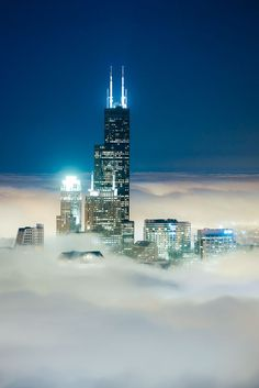 Cloud Chicago – Willis Tower Wonder by Peter Tsai on 500px
