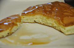 Il Video della Ricetta Pancakes Americani fatti in casa. Una colazione gustosa e semplicissima da fare. I bambini ne fanno matti!