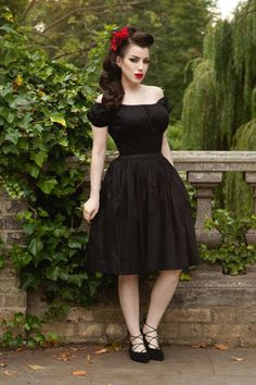 Final Sale – Pinup Couture Jenny Skirt in Black - All For Simple Hair Pin Up Outfits, Dress Up Outfits, Retro Fashion, Vintage Fashion, Vintage Style, Vintage Dresses, Vintage Outfits, Pinup Photoshoot, Fiesta Outfit