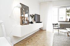 Mostly White - via Coco Lapine Design