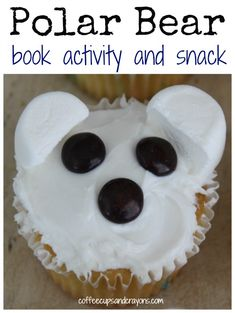 This would be easy to her supplies for at the make your own cupcake booth. Polar bear themed book activity and snack for Polar Bear, Polar Bear? What Do You Hear by Bill Martin Jr. Preschool Snacks, Polar Animals Preschool Crafts, Preschool Art, Animal Crafts, Artic Animals, Wild Animals, Baby Animals, Animal Activities, Winter Activities