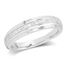 Ladies' 1/7 CT. T.W. Diamond Wedding Band in Sterling Silver
