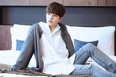 my 👏 son 👏 is 👏 gorgeous 👏 K Pop Boy Band, Boy Bands, Kim Myungsoo, L Infinite, Woollim Entertainment, Golden Child, Love You Forever, Korean Men, Dimples