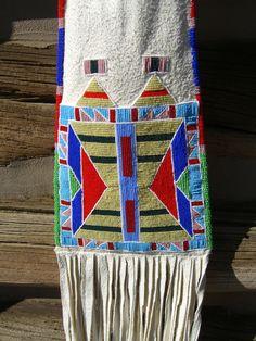 Custer Battlefield Trading Post :: Native American :: Pipe Bags :: Native American Crow Beaded Pipe Bag by Sheri Littlelight Indian Beadwork, Native Beadwork, Native American Beadwork, Native American Indians, Native Americans, American Crow, American Indian Art, Beading Projects, Beading Tutorials