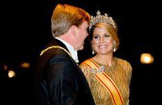 King Willem-Alexander and Queen Máxima arrive in Japan - hellomagazine.com