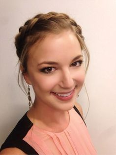 Secrets to Getting This Gorgeously Natural Makeup Seen on Emily VanCamp
