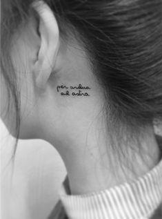 原來韓妹刺青都在刺這種!超簡單分明又不失個性的必備tattoo - PopDaily 波波黛莉的異想世界 Love Tattoos, I Tattoo, Small Tattoos, Handwriting Tattoos, Past Love, Ink Master, Henna, Tatting, Tattoo Ideas
