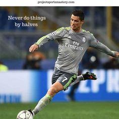  Cristiano Ronaldo , soccer , football 