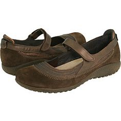 Naot Kirei.  Favorite shoes EVER!  I have them in black too.  I hardly wear anything else.