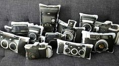photo pillows 4 Original Pillows Featuring Vintage Cameras Painted on Canvasses Camera Painting, Rolleiflex Camera, 3d Camera, Retro Camera, Photo Pillows, Photographer Gifts, Vintage Cameras, Vintage Pillows, Unique Vintage