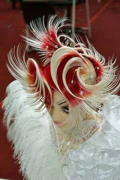 OMC Hairworld Competition - thousands of competitors from 50 countries.#hotonbeauty hair competition hair fantasy hair fb.com/hotbeautymagazine