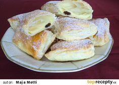 Pudingovo-tvarohové polštářky recept - TopRecepty.cz Sweet Recipes, French Toast, Sweets, Bread, Baking, Breakfast, Morning Coffee, Gummi Candy, Candy