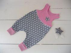 Strampler - Mitwachs-Strampler Sterne grau/ rosa - ein Designerstück von Sabines-Stoffkisterl bei DaWanda