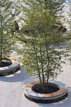 Planter/bench. Visit the slowottawa.ca boards  http://www.pinterest.com/slowottawa/