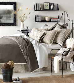 Luxury Bedding by Eastern Accents - Daphne Collection