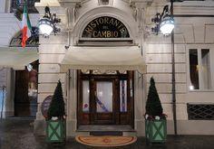"""Torino - ristorante del cambio - Il Cambio, ora ristorante, ha iniziato come caffè nel 1711. Ha avuto tra i suoi celebri clienti, oltre a Cavour e Depretis, anche Casanova, che ha parlato del posto nelle sue """"memorie""""."""