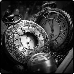 mistymorrning:  pocket watch envy…