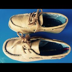 Tommy Hilfiger kids boat shoes Used once Tommy Hilfiger Shoes Flats & Loafers