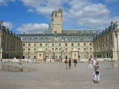 Dijon, Place de la Liberation